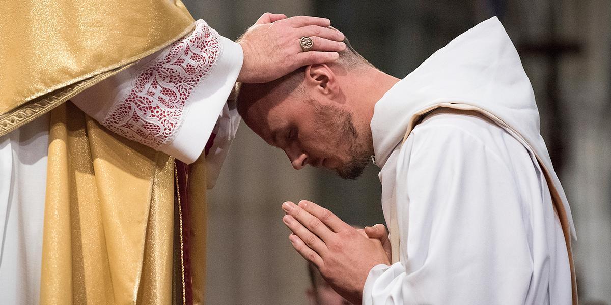 A Igreja unida em oração pelas vocações